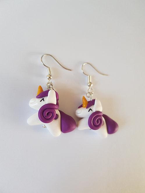 licornes boucles d'oreilles en pâte polymère, fait main,fimo,blanc et violet