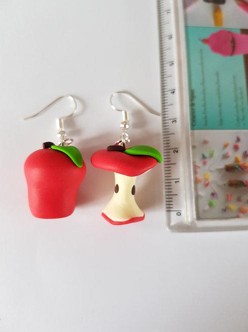 pomme rouge et son trognon boucles d'oreille nature en fimo fait main