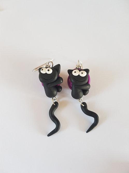 boucles d'oreilles chats,chats noirs,pelote de laine,violet,fimo