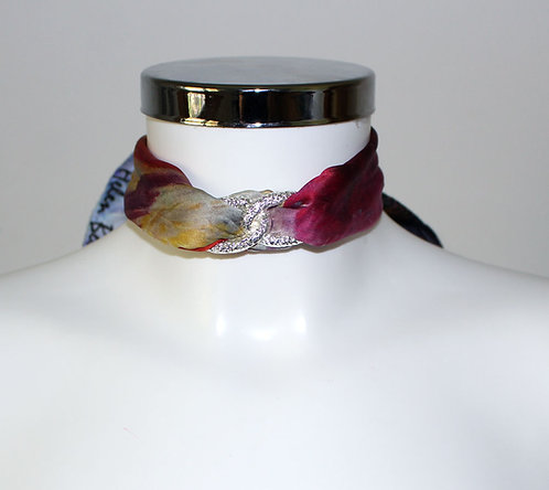 Blooming iris Choker Necklace