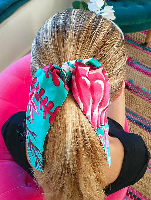 Pink Seahorse bow scrunchie