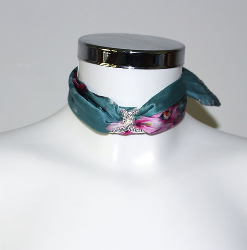 Blue Spring Choker Necklace