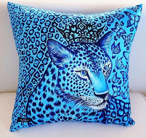 Feline decorative pillow cover