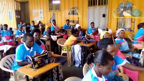 Hilfe zur Selbsthilfe – Nähkurs in Uganda