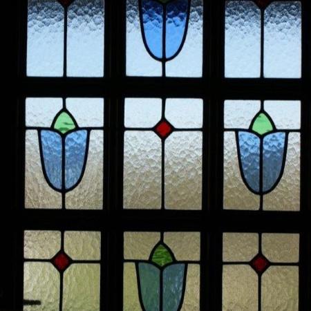 May Front Door, Blue flower motif
