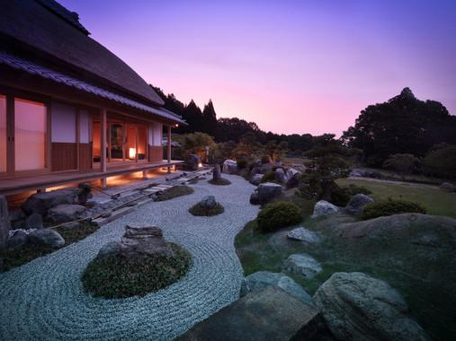 Villa-no.2-OZUNU-stone-garden-1.jpg