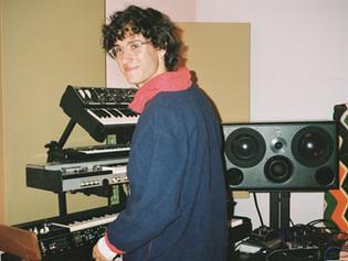 "Teo Halm's (""Con Altura"" by  Rosalía) unorthodox approach to using Universal Audio's UAD Galaxy"