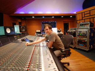 Sonic Scoop 3 Techniques: UA Fender '55 Tweed Deluxe with Mixer Peter Mokran