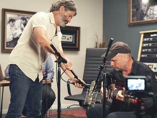 UA increases reach into the guitar community