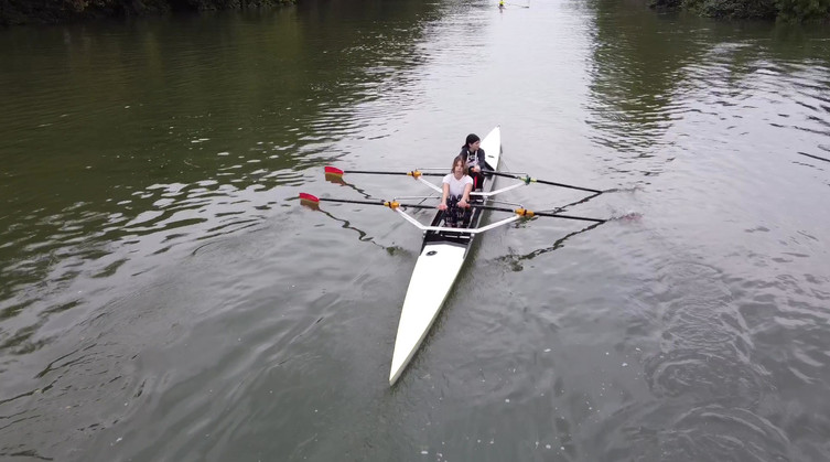 2x Canoe Jeunes.MOV