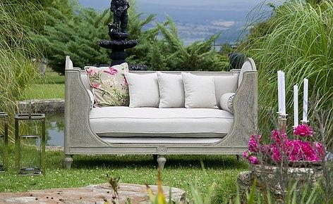 furniture-2436880_640.jpg