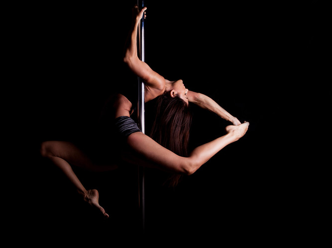 Flex and stretch classes at Star Pole Studio Byron Bay