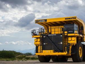 Chile: Llegan los primeros dos Komatsu 830E-5, el modelo más avanzado de la marca