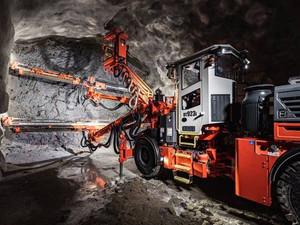Sandvik presenta el nuevo jumbo para túneles DT923i, mejorando la precisión y productividad