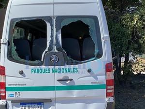 Chubut: Antimineros atacaron el vehículo del Presidente cuando se iba de Lago Puelo