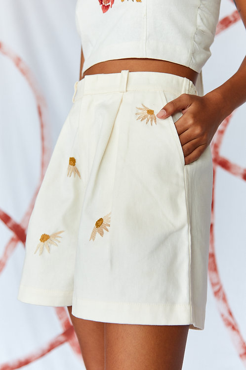 Short Off White Margaridas