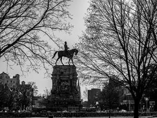 Robert E. Lee monument silhouette