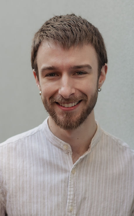 Tim Portrait 2021-5697.jpg