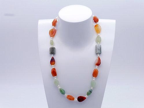 Collier en cornaline, aventurine, jaspe et perles d'eau douce