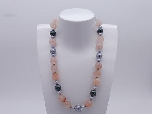 Collier en quartz rose, hématite grise et perles grise