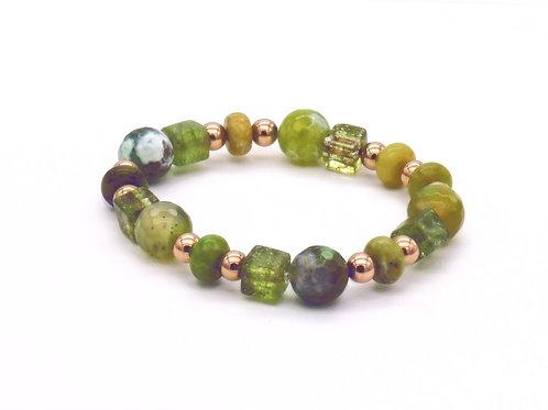 Bracelet en agate verte, cristal de roche, serpentine et hématite cuivrée
