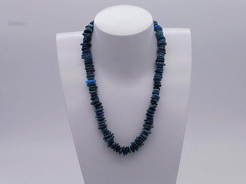 Collier en apatite bleu