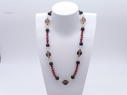 Collier en agate, quartz fumé, cristal de roche et oeil de taureau