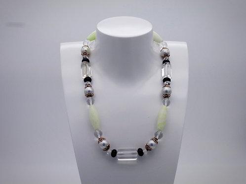 Collier en chrysoprase, cristal de roche, onix et perle