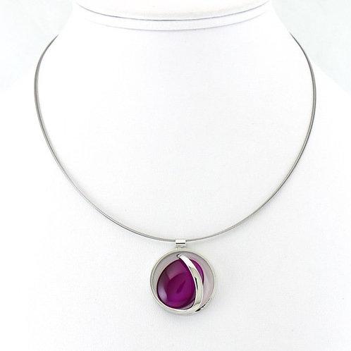 Collier avec pendentif ovale violet