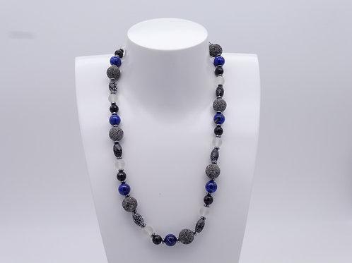Collier en lapis lazuli, agate, onix, lave et hématite