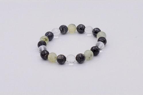 Bracelet en agate noire, cristal de roche et prehnite perles 10 mm à facettes