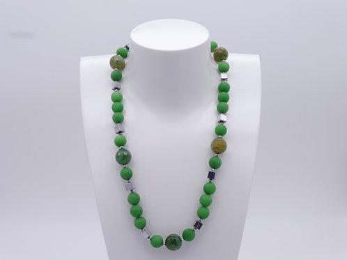 Collier en agate verte, quartz vert et hématite