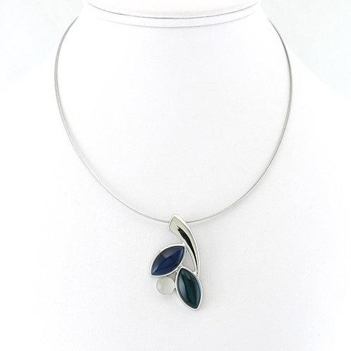 Collier avec pendentif Tricolore Bleu-Noir-Blanc