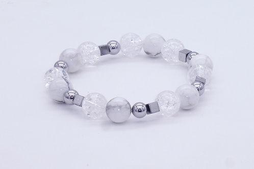 Bracelet en howlite, cristal de roche et hématite argentée