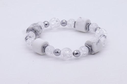 Bracelet en howlite blanc, cristal de roche et hématite argenté
