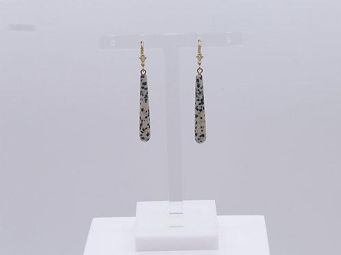 Boucle d'oreille longue en jaspe dalmatien