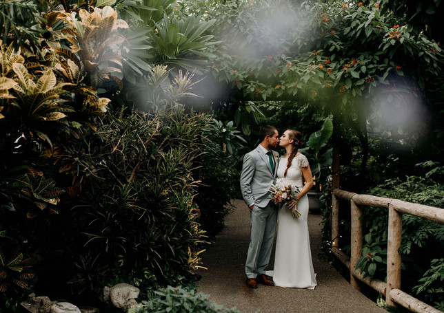 greenhouse-wedding-picture