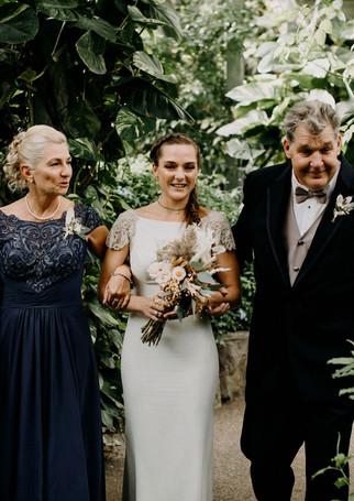 greenhouse_boho_wedding
