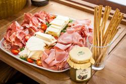 meet_cheese_platter_2643