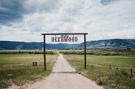 Deerwood ranch wedding venue in Centennial Wyoming