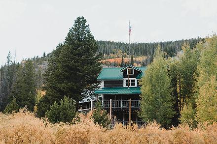 Snowy Range Lodge wedding venue in Centennial Wyoming