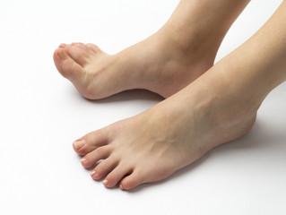 足のむくみは健康のバロメーター。
