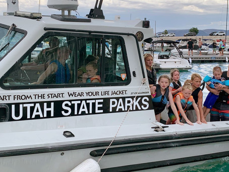 """NEWS – """"Be Strong: Family stays calm as boat sinks"""""""