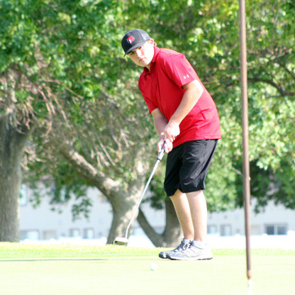 """SPORTS - """"Bears slow to start on the golf course"""""""