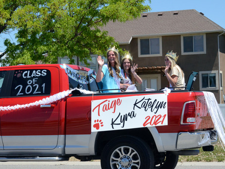 """SCHOOL - """"Motorcade in style with the Class of 2021"""""""