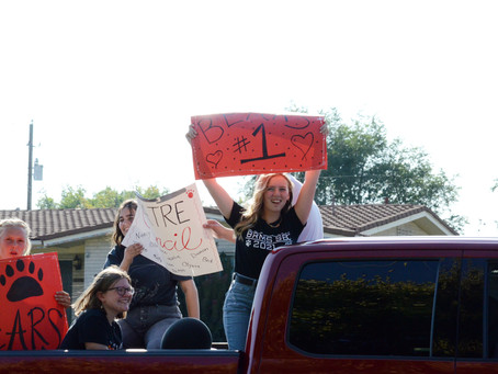 """SCHOOL - """"A motorcade fit for homecoming week"""""""