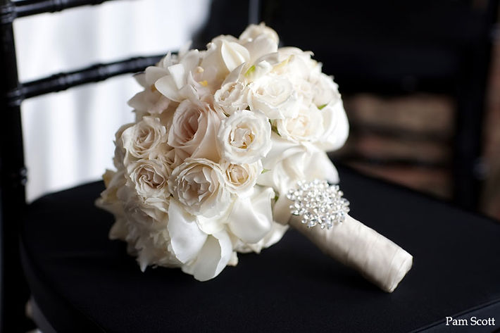 White-Bridal-Bouquet--Karen-Tran-Blog-35