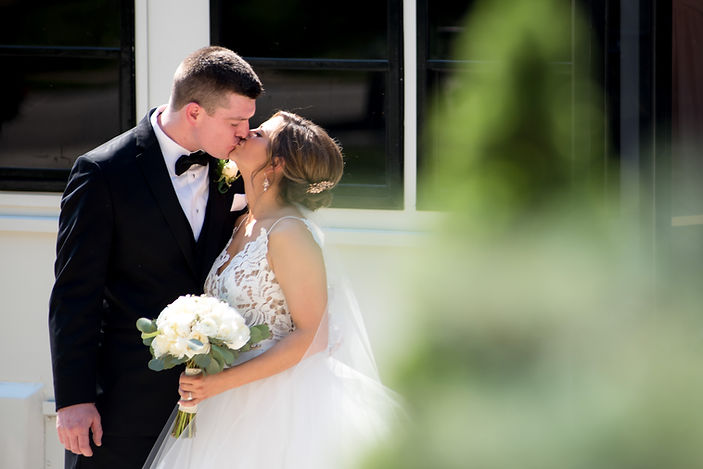 Melissa-Jim Kissing.jpg