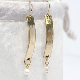 gold hammered pearl earrings 5.JPG