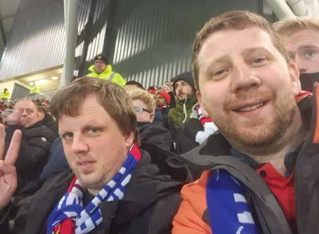 Reiseglade nordmenn på fotballtur til England